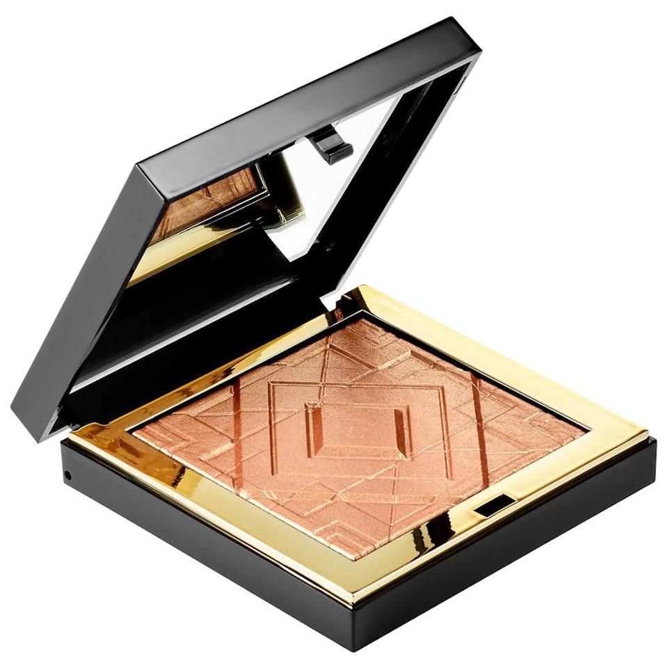 <p>The <span>Artist Couture Diamond Luxe Luminizer Pressed Highlighter</span> ($19, originally $38) adds a glass-like shine to the high points of your face. It's a luxurious highlighter made with finely-milled powder.</p>