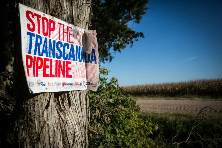 The Keystone XL extension will be connected to an existng network in the US, allowing for 830,000 barrels of oil to be transported from Alberta, Canada to US Gulf Coast refineries