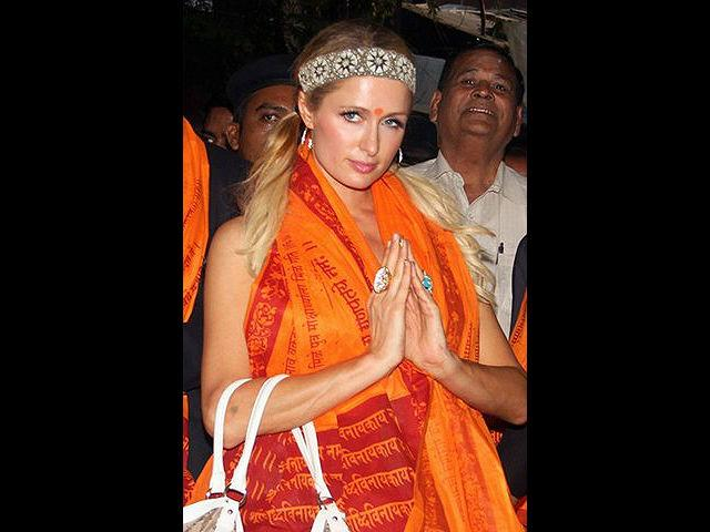 <b>1. Paris Hilton</b><br><br>International socialite Paris Hilton, on her recent second trip to India. She was seen experiencing spirituality at the famed Siddhivinayak temple.