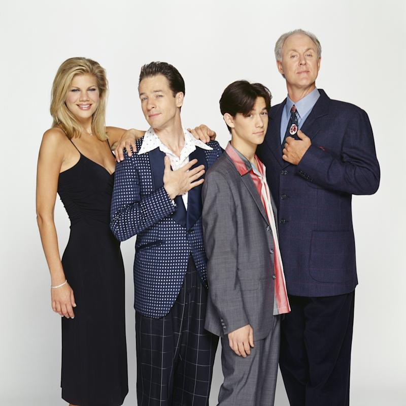 3RD ROCK FROM THE SUN -- Season 5 -- Pictured: (l-r) Kristen Johnston as Sally Solomon, French Stewart as Harry Solomon, Joseph Gordon-Levitt as Tommy Solomon, John Lithgow as Dr. Dick Solomon -- Photo by: Chris Haston/NBC/NBCU Photo Bank