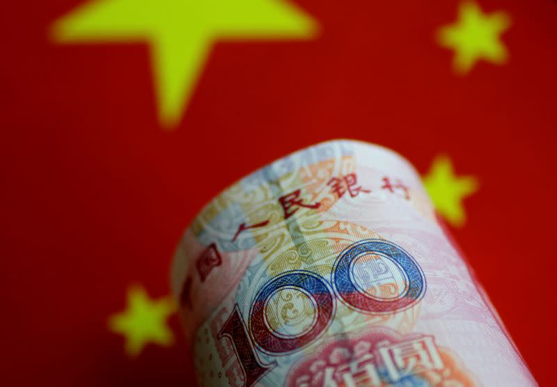 Yuan and commodity-linked currencies dive as Chinese virus fears grow