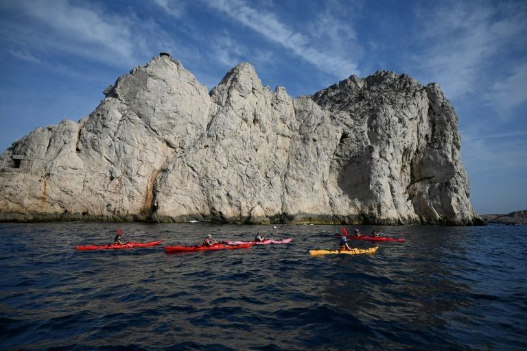 "Kayakers arriving a the calanques by sea will no longer be allowed to disembark onto the naturally-formed ""pavements"" of fossilised lithophyllum algae"