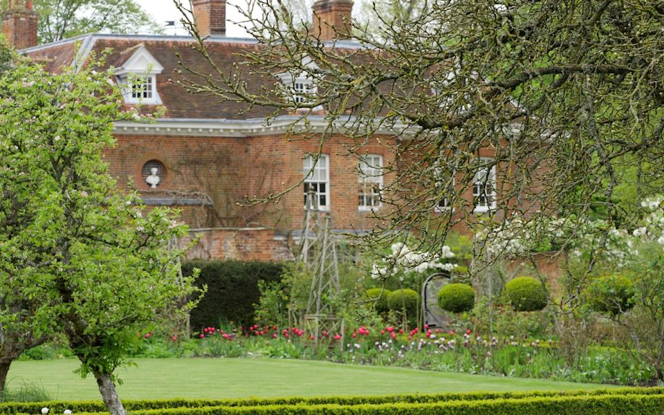 West Green House and Gardens near Hook in Hampshire - John Lawrence