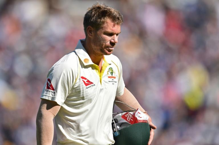David Warner will retain his place despite repeated failures during the Ashes, believes Ricky Ponting