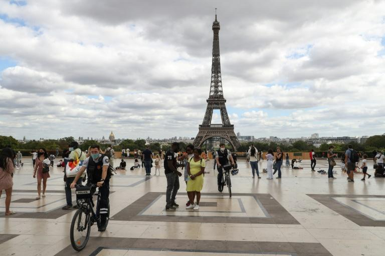 Masks compulsory in all Paris as virus cases mount