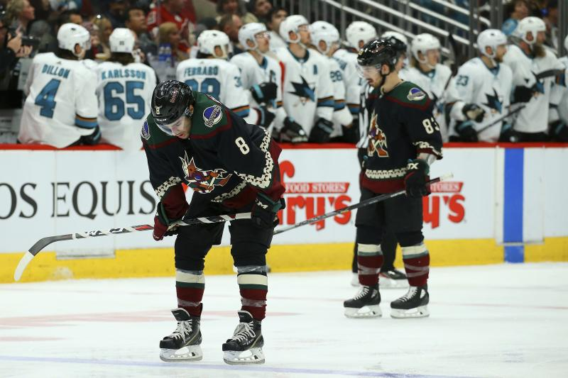 Sharks score 4 straight to rally past Coyotes 4-2