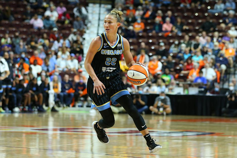 Chicago Sky guard Courtney Vandersloot had a playoff-record 18 assists as part of the second triple-double in WNBA playoffs history in a Game 1 win over the Conneticut Sun on Sept. 28, 2021, at Mohegan Sun Arena in Uncasville, Connecticut. (M. Anthony Nesmith/Icon Sportswire via Getty Images)