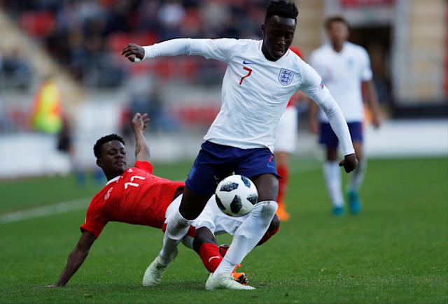 Soccer Football - UEFA European Under-17 Championship - Group A - Switzerland v England - AESSEAL New York Stadium, Rotherham, Britain - May 10, 2018 England's Arvin Appiah in action with Switzerland's Felix Mambimbi Action Images via Reuters/Lee Smith