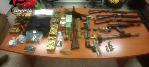 Weapons siezed during the raid by 2,500 police as well as army paratroopers