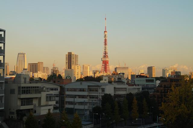 <p>A view of Tokyo Tower in the district of Minato at sunset. (Photo: Michael Walsh/Yahoo News) </p>