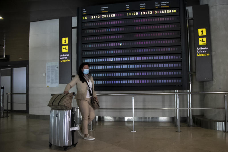 First passengers arrive from Zurich to Valencia after two months of quarantine, in Valencia, Spain on May 21, 2020. (Photo by Jose Miguel Fernandez/NurPhoto via Getty Images)