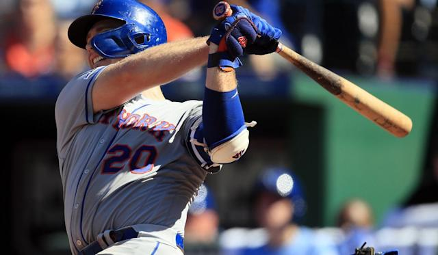 Alonso breaks NL rookie HR record, Mets crown Royals 11-5