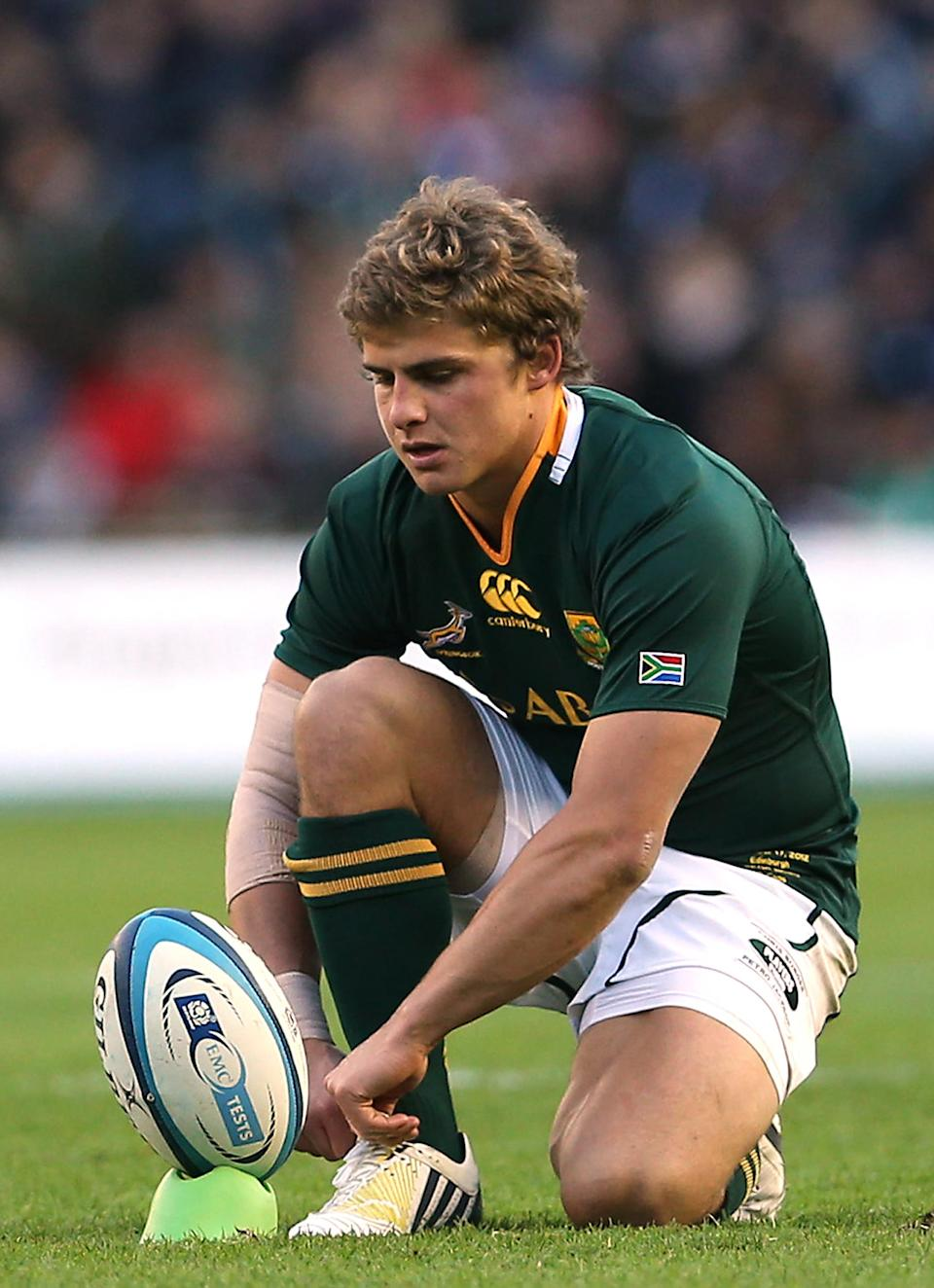 South Africa's Patrick Lambie prepares to kick a penalty during a rugby union Test match at Murrayfield in Edinburgh, on November 17, 2012 (AFP Photo/Ian Macnicol)