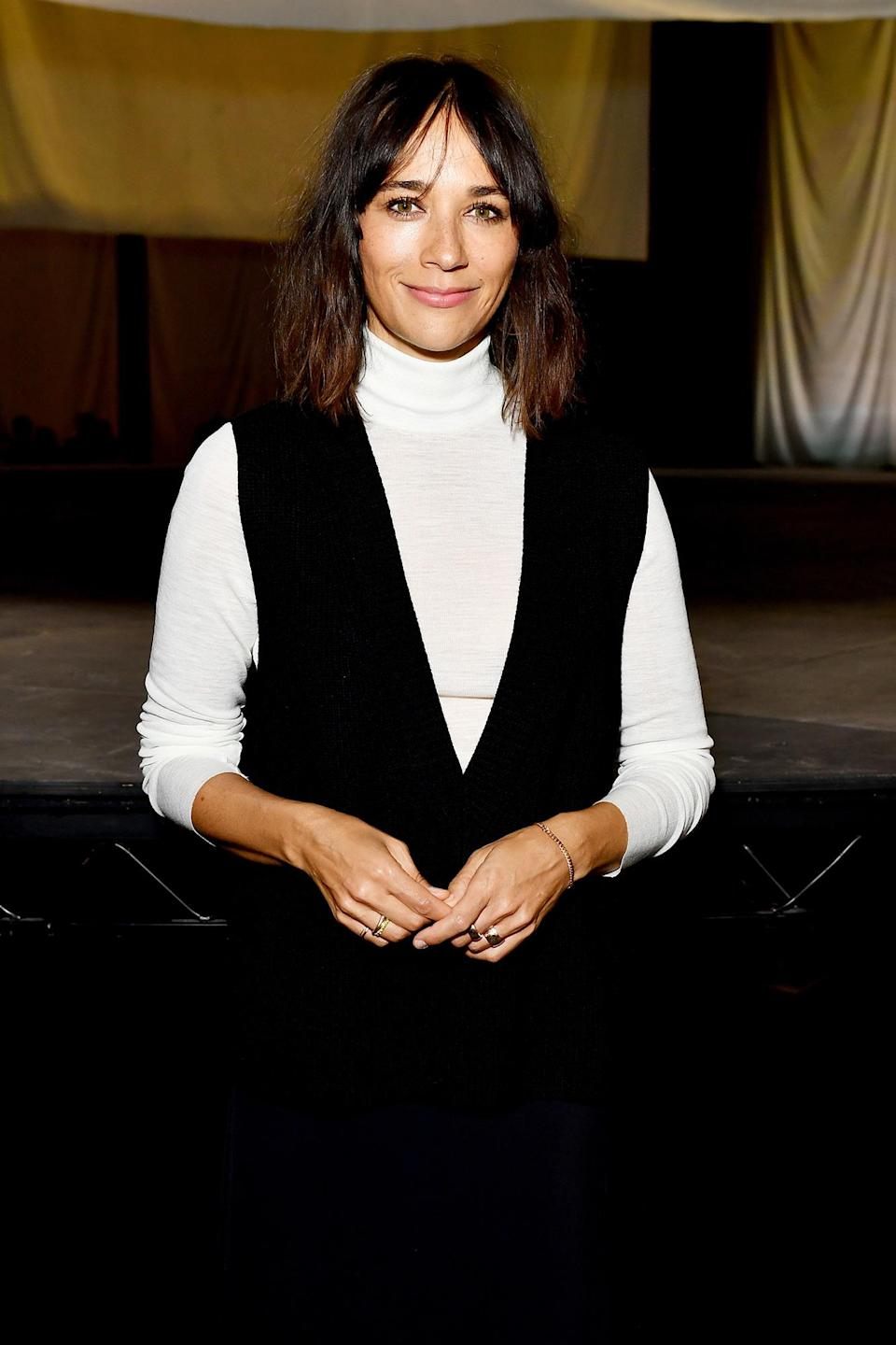 <p>Rashida Jones looks ready for fall on Sept. 21 at the COS show at The Roundhouse during London Fashion Week. </p>