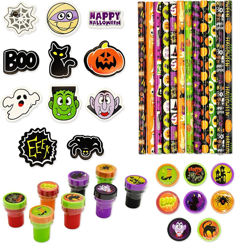 Halloween Party Favours Set, $28.73