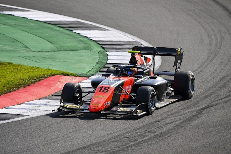 Viscaal takes maiden F3 win after last-lap duel