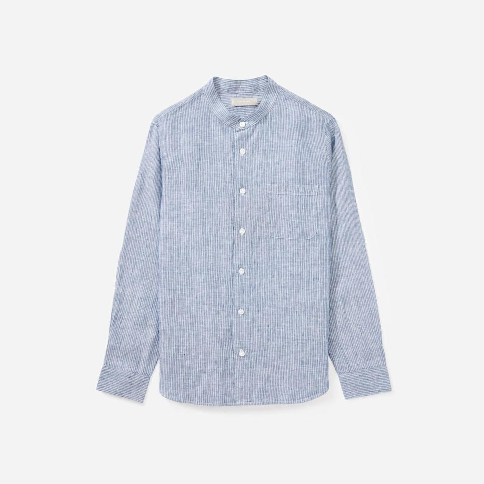 """<p><strong>Everlane</strong></p><p>everlane.com</p><p><strong>$30.00</strong></p><p><a href=""""https://go.redirectingat.com?id=74968X1596630&url=https%3A%2F%2Fwww.everlane.com%2Fproducts%2Fmens-linen-band-collar-shirt-blue-white&sref=https%3A%2F%2Fwww.esquire.com%2Fstyle%2Fmens-fashion%2Fg33391536%2Feverlane-summer-sale%2F"""" rel=""""nofollow noopener"""" target=""""_blank"""" data-ylk=""""slk:Buy"""" class=""""link rapid-noclick-resp"""">Buy</a></p><p>Come to think of it, linen ain't too bad, either. </p>"""