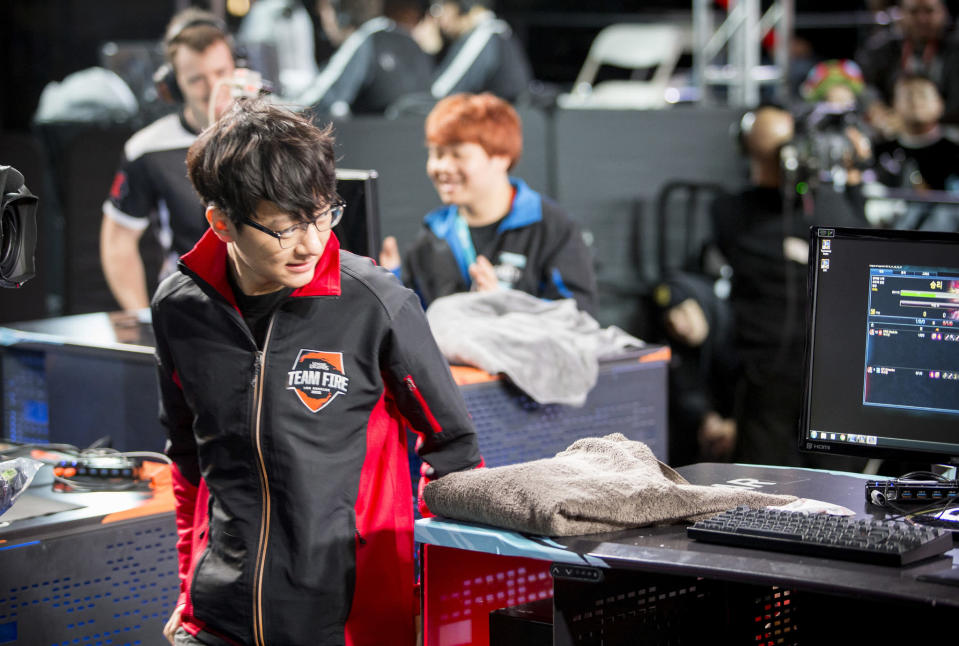 MadLife leaves the stage at League of Legends All-Stars 2015 (Riot Games/Lolesports)
