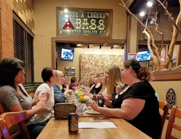 PHOTO: Women gather on March 30, 2018 at a Phoenix-area restaurant called Boulders on Southern to enjoy appetizers and timed icebreaker conversations with other moms. (Jessica Nelson/MOMnation)