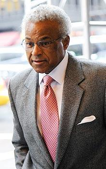 Billy Hunter and the players union plan to return to talks with the NBA on Saturday