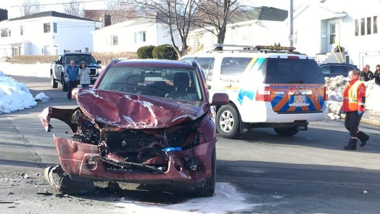 3 vehicles smashed in accident at 3-way intersection in St. John's