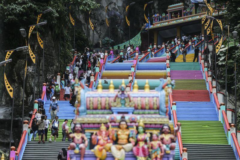 The colourful steps leading to the Sri Subramaniar Swamy Temple in Batu Caves. ― Picture by Hari Anggara