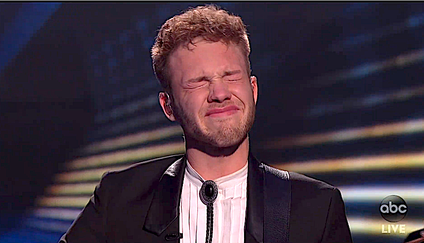 Hunter Metts reacts after messing up his lyrics on 'American Idol.' (Photo: ABC)