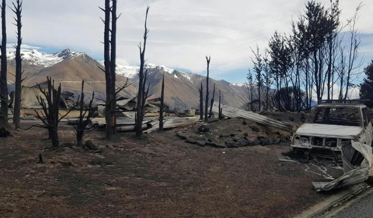A wildfire erupted in a mountain forest in the early hours of Sunday morning and swept through the popular Lake Ohau tourist spot in New Zealand