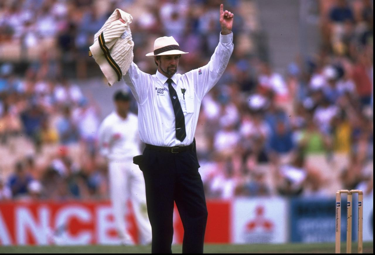 4 Jan 1998:  Umpire, Peter Willey of England signals six runs during the second test match between Austalia and South Africa at the Sydney Cricket Ground in Sydney, Australia. Australia won the match by an innings. \ Mandatory Credit: Ben Radford /Allsport