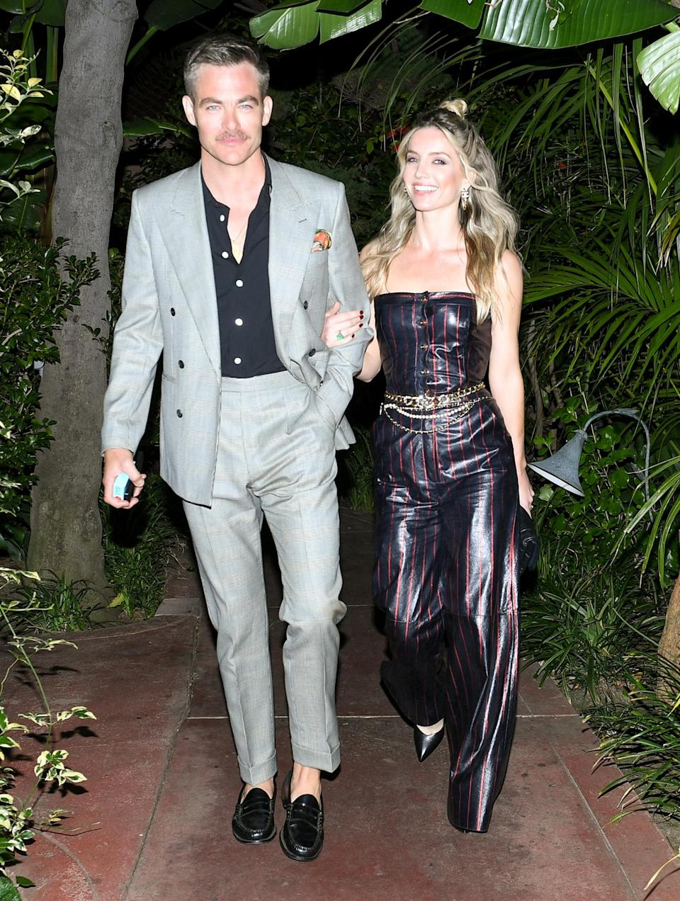 <p>Chris Pine and Annabelle Wallis in 2020</p>