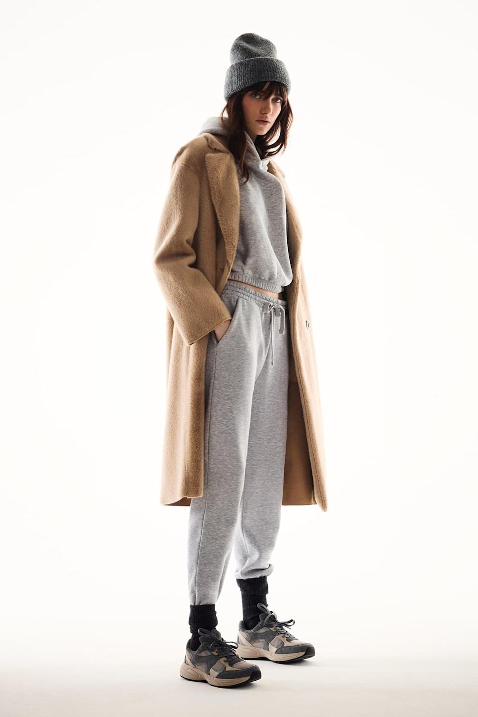 <p>You can't go wrong with this classic <span>Zara Jogging Pants</span> ($30) and <span>Cropped Hooded Sweatshirt</span> ($26).</p>