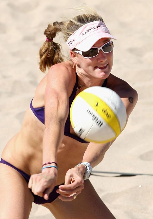 Kerri Walsh of USA passes the ball during the AVP Crocs Tour World Chalenge match against Brazil at the Westgate City Center on September 21, 2009 in Glendale, Arizona.