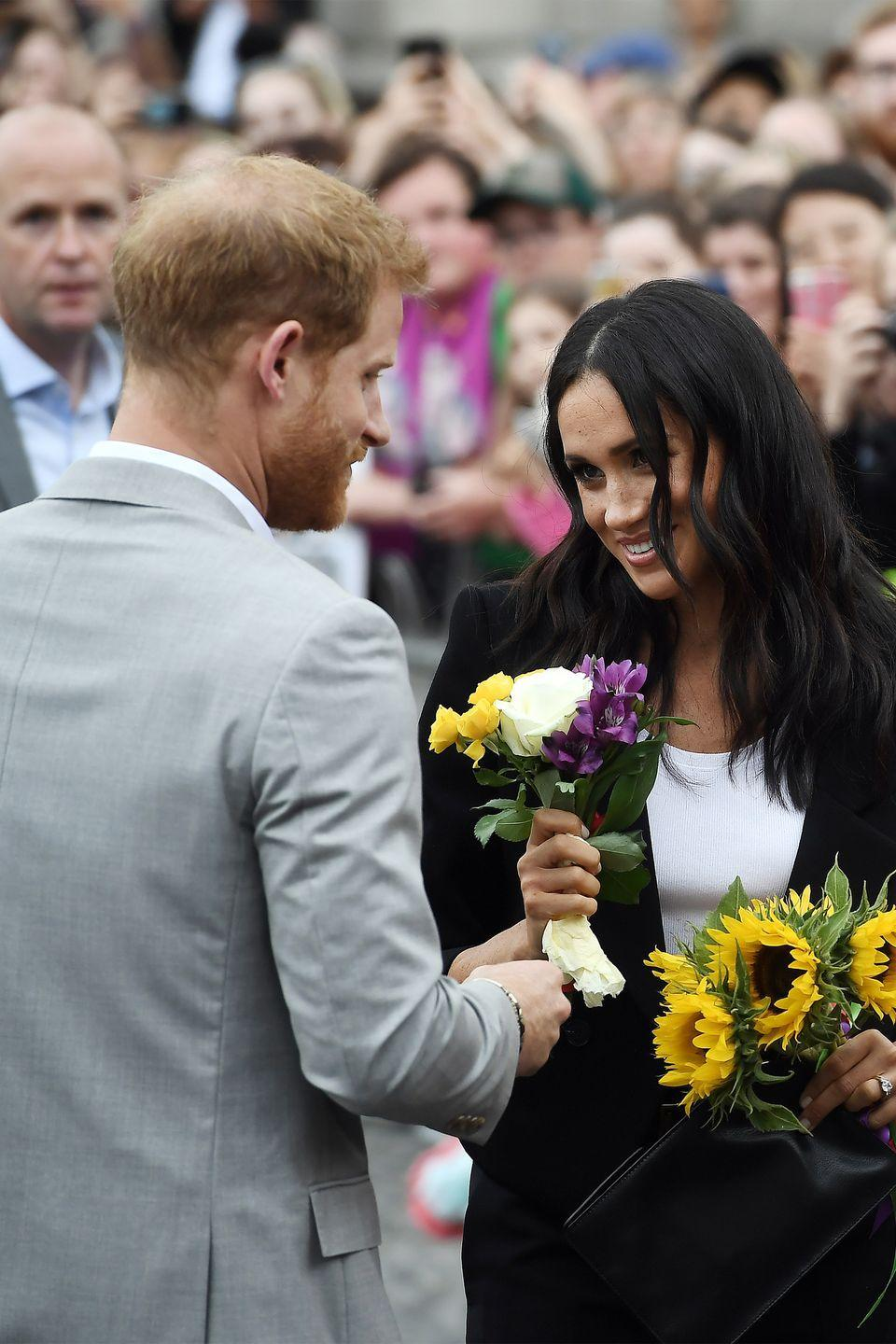 <p>On an official royal visit to Ireland, Harry and Meghan had a sweet moment at Trinity College. </p>