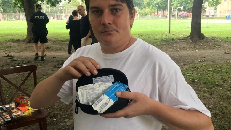 Citing overdose 'crisis,' police to allow unsanctioned Toronto injection site