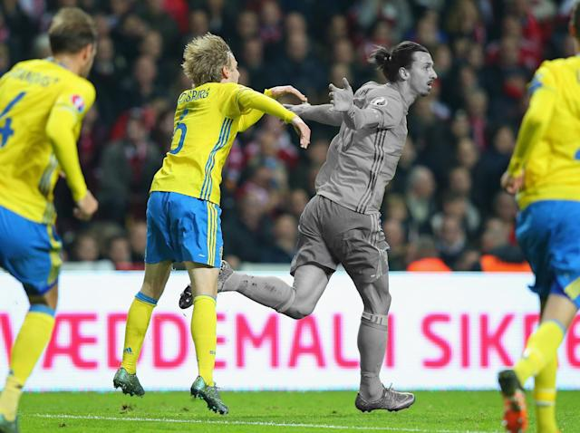 Zlatan Ibrahimović hints at World Cup return for Sweden and a nation shrugs its shoulders
