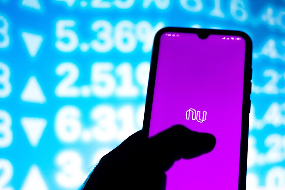BRAZIL - 2020/01/14: In this photo illustration the Nubank logo app is seen displayed on a smartphone. (Photo Illustration by Rafael Henrique/SOPA Images/LightRocket via Getty Images)
