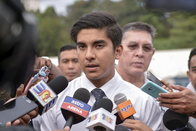 Youth and Sports Minister Syed Saddiq Syed Abdul Rahman said the ministry would be issuing internal instructions to ensure the smooth implementation of the policy as many of the ministries' staff were working outside and therefore exposed to the haze. ― Picture by Mukhriz Hazim