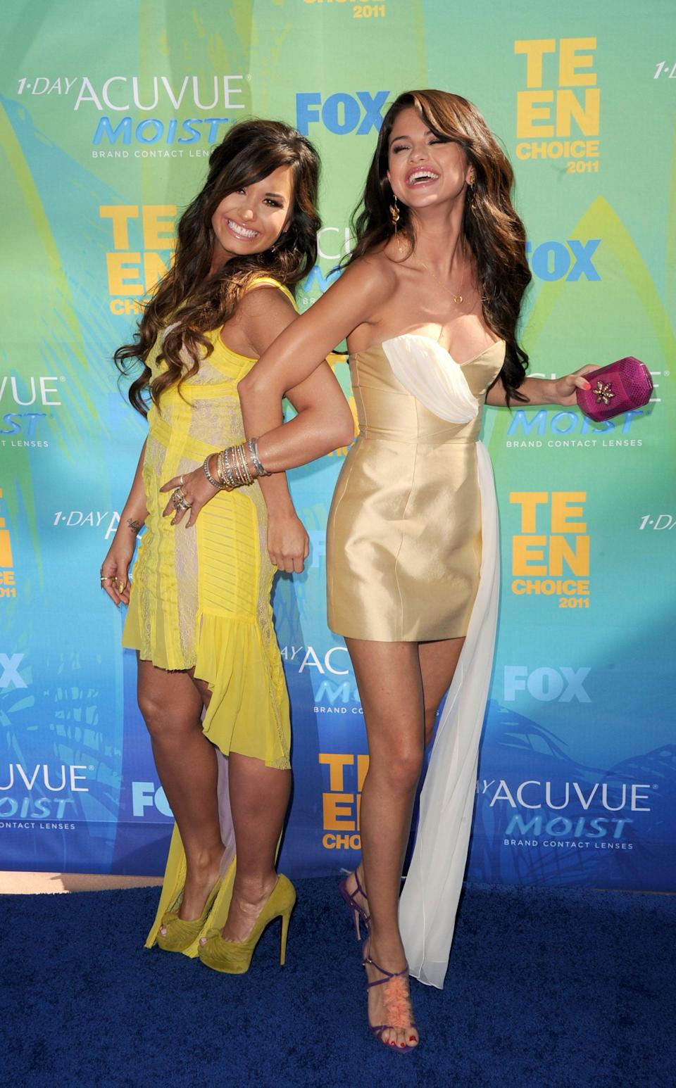 <p>Selena buddied up with Demi Lovato at the Teen Choice Awards in LA.</p>