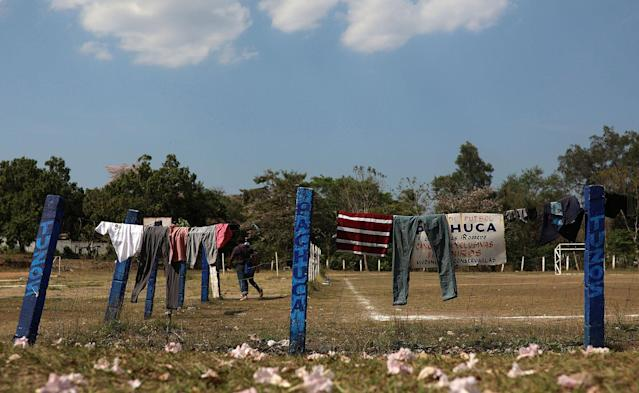 "<p>Clothing hangs to dry at a sports center being used as a base for a few days by a caravan of Central American migrants who are part of the annual Migrant Stations of the Cross caravan or ""Via crucis,"" organized by the ""Pueblo Sin Fronteras"" activist group, in Matias Romero, Oaxaca state, Mexico, Monday, April 2, 2018. (Photo: Felix Marquez/AP) </p>"