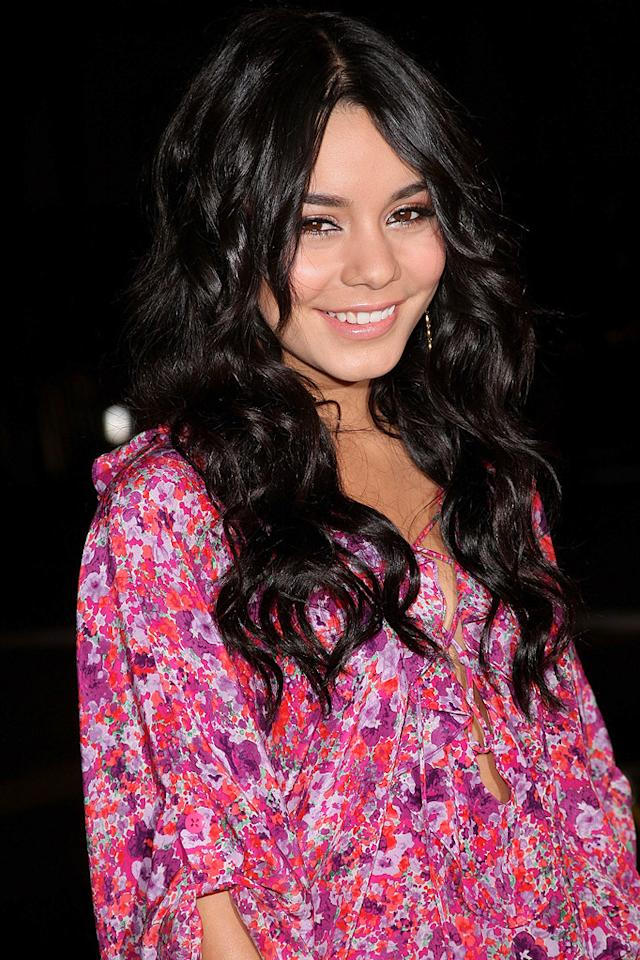 "<a href=""http://movies.yahoo.com/movie/contributor/1808436979"">Vanessa Hudgens</a> at the Los Angeles premiere of <a href=""http://movies.yahoo.com/movie/1808406490/info"">Watchmen</a> - 03/02/2009"