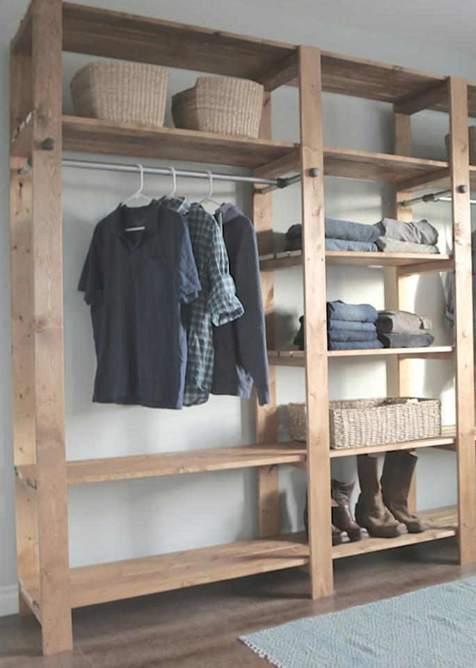 """If your home is low on closet space,<a rel=""""nofollow"""" href=""""http://www.ana-white.com/2014/09/free_plans/industrial-style-wood-slat-closet-system-galvanized-pipes"""">these</a>are the solutions to your storage woes."""