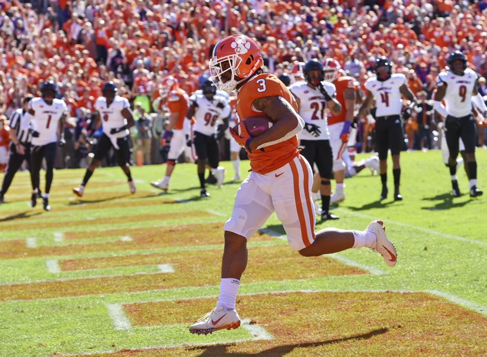 Clemson's Amari Rodgers runs in for a touchdown during the first half of an NCAA college football game against Louisville, Saturday, Nov. 3, 2018, in Clemson, S.C. (AP Photo/Richard Shiro)