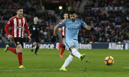 Britain Soccer Football - Sunderland v Manchester City - Premier League - Stadium of Light - 5/3/17 Manchester City's Sergio Aguero has a shot at goal Reuters / Andrew Yates Livepic