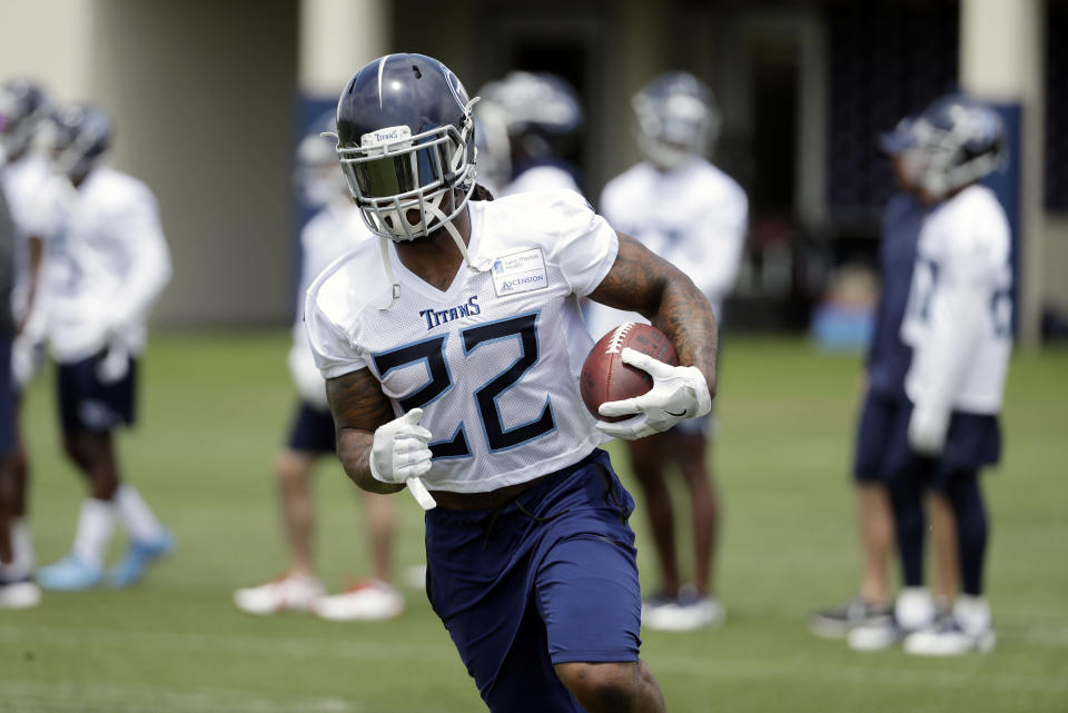 It's unwise to invest heavily in Tennessee Titans running back Derrick Henry with Dion Lewis in the mix. (AP Photo/Mark Humphrey)