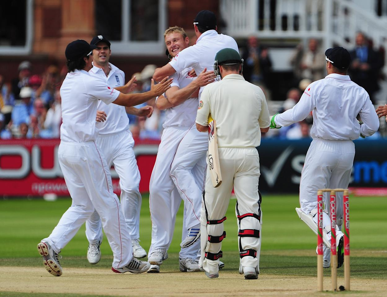 LONDON - JULY 20: Andrew Flintoff of England celebrates the wicket of Brad Haddin of Australia with team mates during day five of the npower 2nd Ashes Test Match between England and Australia at Lord's on July 20, 2009 in London, England.  (Photo by Mike Hewitt/Getty Images)