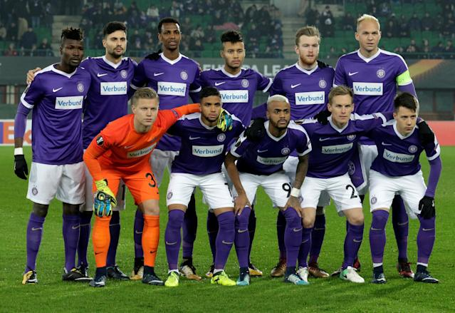 Soccer Football - Europa League - FK Austria Wien vs AEK Athens - Austria Arena, Vienna, Austria - December 7, 2017 Austria Vienna players pose for a team group photo before the match REUTERS/Heinz-Peter Bader