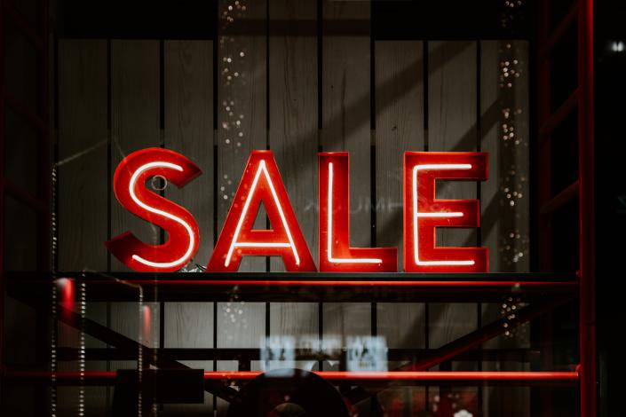 Black Friday sale begins from 27 November. Photo: Claudio Schwarz/Unsplash