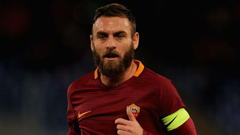 De Rossi signs Roma renewal until 2019