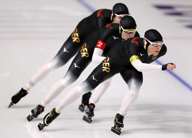 Speed Skating - Pyeongchang 2018 Winter Olympics - Women's Team Pursuit Competition - Gangneung Oval - Gangneung, South Korea - February 19, 2018. Roxanne Dufter, Gabriele Hirschbichler and Claudia Pechstein of Germany in action. REUTERS/John Sibley