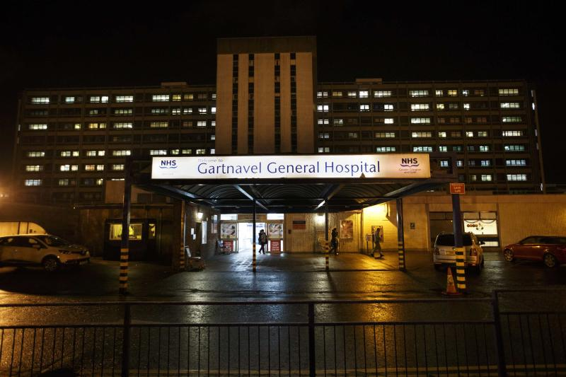 A general view of Gartnavel General Hospital is seen in Glasgow, Scotland December 29, 2014. A healthcare worker has been diagnosed with Ebola a day after flying home to Glasgow from Sierra Leone, the Scottish government said on Monday. The patient is being treated in isolation at Glasgow's Gartnavel Hospital, having flown back to Scotland's largest city late on Sunday on a British Airways flight via Casablanca in Morocco and London's Heathrow. REUTERS/Stringer (BRITAIN HEALTH - Tags: DISASTER HEALTH)